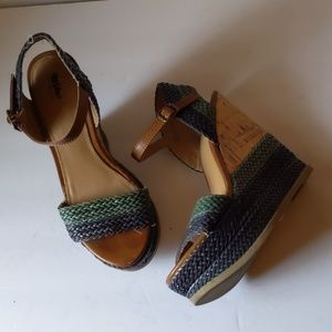 Mossimo blue/green/cork wedges sz-7 1/2
